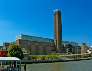 Tate_Modern_viewed_from_Thames_Pleasure_Boat_-_geograph_org_uk_-_307445